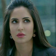 Katrina Kaif I am very excited to share this with you finally a site that really… Indian Celebrities, Bollywood Celebrities, Beautiful Celebrities, Beautiful Actresses, Beautiful Models, Beautiful People, Beautiful Women, Bollywood Stars, Indian Bollywood