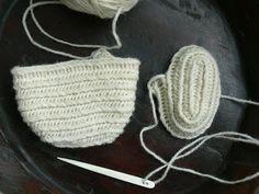 Medieval Crafts, Knit Crochet, Crochet Hats, Lucet, Tablet Weaving, Viking Knit, Knitting Needles, Mittens, Needlework