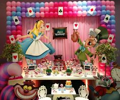 Cool balloon frame for the main table Alice In Wonderland Tea Party Birthday, Alice In Wonderland Birthday, Wonderland Party, Tea Party Theme, Party Themes, Party Ideas, Dance Themes, Cinderella Birthday, First Birthday Parties