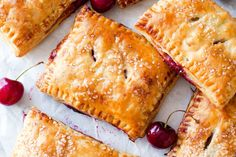 Simple Cherry Pastry Pies are easier than you think! Grab th.- Simple Cherry Pastry Pies are easier than you think! Grab the recipe on sallysba… Simple Cherry Pastry Pies are easier than you think! Grab the recipe on sallysbakingaddic… - Pie Pastry Recipe, Puff Pastry Recipes, Pie Recipes, Cooking Recipes, Puff Pastry Desserts, Dessert Recipes, Breakfast Recipes, Pastries Recipes, Mini Pastries