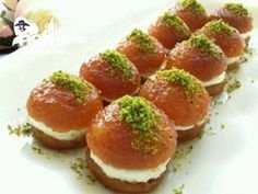 Simple But Showy Dessert - Dinner Recipe Easy Cake Recipes, Sweet Recipes, Snack Recipes, Dessert Recipes, Cooking Recipes, Turkish Recipes, Ethnic Recipes, Turkish Sweets, Arabic Food