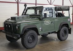 """Land Rover Defender 90"""" 300 TDI - """"I would love this one"""""""