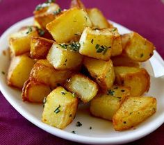 Pommes Rissolees (French Browned Potatoes)_ Pommes rissolées are a French classic. They are crisp, cube-shaped, pan-fried potatoes flavored with herbs. Fried Potatoes Recipe, Cubed Potatoes, Raw Vegan Recipes, Vegetarian Recipes, Cooking Recipes, Potato Dishes, Potato Recipes, Food Now, Gourmet