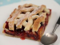 Linzer cu prune Romanian Food, Romanian Recipes, Eat Dessert First, Puddings, Apple Pie, Food And Drink, Sweets, Desserts, Universe