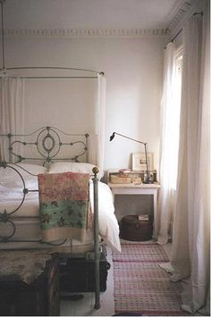 Elegant and simple bedroom.i want an iron bed Dream Bedroom, Home Bedroom, Bedroom Decor, The Design Files, Home And Deco, My New Room, Beautiful Bedrooms, Room Inspiration, House Design