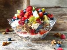 Kiwi, Acai Bowl, Delicious Desserts, Oatmeal, Food And Drink, Baking, Breakfast, Happy, Acai Berry Bowl