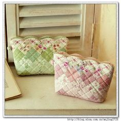 Ideias bolsas de patchwork - quilt...lots of inspiring ideas...may not have links? not sure-in another language :(