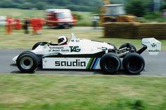 Formel1: Williams FW08C (1982) - sofern ich mit dem 'C' richtig liege. Hat nie ein Rennen bestritten.  Quelle: http://itsallrendifw.blogspot.com