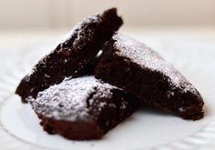 Sukkerfri og saftig brownie til kveldskos (Bakekona)