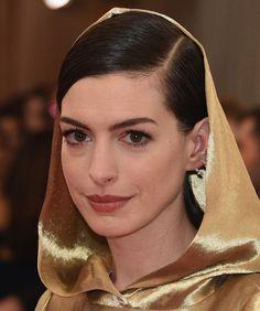 Anne Hathaway - Baile Met 2015