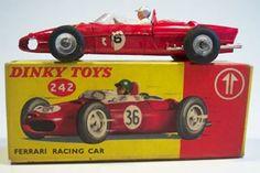 dinky toys - Ferrari 158 V6 1961 world champion (Phill Hill)