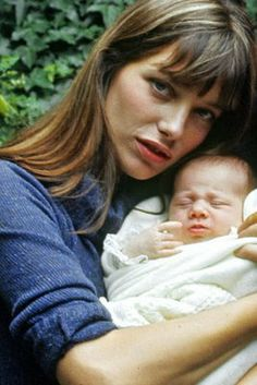 Jane Birkin new mom with baby Charlotte Gainsbourg Charlotte Gainsbourg, Serge Gainsbourg, English Actresses, Actors & Actresses, Madonna, Lou Douillon, Kate Barry, Jane Birkin Style, The Love Club