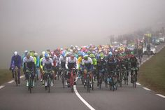 The peloton at the start of stage 4 of Paris-Nice in Varennes-sur-Allier