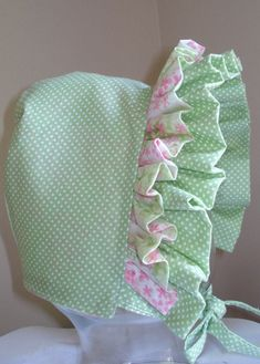 Best 12 Baby Bonnet Rose Bud with Gingham by MaryandEllen on Etsy – SkillOfKing. Baby Sewing Projects, Sewing For Kids, Sewing Crafts, Baby Patterns, Sewing Patterns, Baby Bonnets, Heirloom Sewing, Baby Kind, Baby Crafts