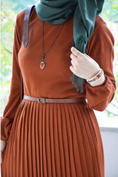 Hijab Fashion Summer, Hijab Style, Mode Hijab, Hijab Outfit, Lovely Dresses, Picture Poses, The Dress, Arabic Quotes, Outfits