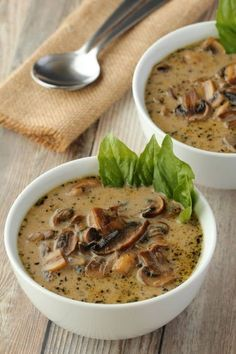 Simple and ultra creamy vegan cream of mushroom soup Rich and flavorful and deliciously satisfying this soup makes an ideal appetizer GlutenFree Vegan Soups, Vegan Dishes, Vegetarian Recipes, Healthy Recipes, Ramen Recipes, Vegetable Recipes, Creamed Mushrooms, Stuffed Mushrooms, Gluten Free Recipes