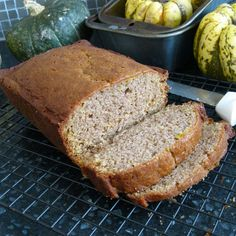 Cinnamon Squash Bread - subbed in extra squash puree for the oil and cut the sugar to - kids loved it. Used yellow summer squash. Yellow Squash Muffins, Yellow Squash Recipes, Summer Squash Recipes, Yellow Squash Bread Recipe, Winter Recipes, Best Amish Recipes, Bread Recipes For Kids, Cooking Recipes, Favorite Recipes
