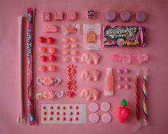 Gave foodfotografie: op kleur gesorteerde snacks -