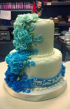 Buttercream Roses, Sweet 16 Cakes, Bakery, Party Ideas, Decorating, Desserts, Food, 16th Birthday Cakes, Decor