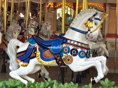 National Carousel Association - Cinderella's Golden Carrousel - PTC Outside Row Jumper Carosel Horse, Amusement Park Rides, Disney World Magic Kingdom, Wooden Horse, Painted Pony, Horse Art, Animal Tattoos, Beautiful Horses, Outdoor Travel