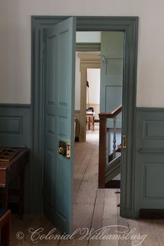 Possible color FARMHOUSE – INTERIOR – a colonial blue doorway in raleigh tavern in williamsburg, virginia. Trim Paint Color, Door Paint Colors, Primitive Homes, Colonial Bedroom, Colonial Williamsburg, Williamsburg Virginia, Painting Trim, Farmhouse Interior, Craftsman Interior