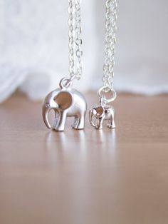 Mama and Baby Elephant Necklace Set - Silver Mama Elephant Jewelry Gift for Mom Necklace - Baby Elephant Jewelry - Mom and Baby Necklace Set Elephant Jewelry, Elephant Necklace, Baby Necklace, Necklace Set, Jewelry Gifts, Unique Jewelry, Jewellery, Mama Elephant, Mom And Baby