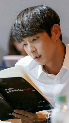 Lee Joon Gi and Moon Chae Won in 'Criminal Minds' Script Reading Lee Joon Gi 2017, Lee Sun Bin, Korean Drama 2017, Criminal Minds 2017, Cn Blue, I Kid You Not, Lee Joongi, Moon Chae Won, Live Wire