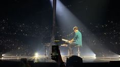 Shawn Mendes Quotes, Shawn Mendes Concert, He Makes Me Happy, Mendes Army, Shawn Mendes Wallpaper, Perfect Selfie, Charlie Puth, Amazing Pics, Pop Singers