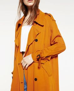 Image 4 of TRENCH COAT WITH HORN BUTTON from Zara