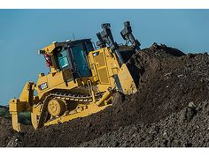 HOLT CAT Weslaco Caterpillar dealer for Cat equipment sales, service, parts & rentals for heavy equipment machinery, construction & generators. Caterpillar Bulldozer, Caterpillar Equipment, Heavy Construction Equipment, Heavy Equipment, Construction Machines, Cat Bulldozer, Diesel, Paisajes, Tanks