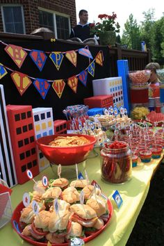 Put buildings on food and dessert tables? Twin's 3rd Superhero Party | CatchMyParty.com