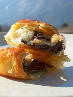 pains au chocolat bons comme à la boulangerie en 15mn..la recette - LE PLAISIR…