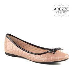 Sapatilha de verniz. http://www.arezzo.com.br/verao2015/#colecao_produtos_3762.0149.0M4C.0K5V