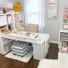 Stylish 46 Modern Home Office Design Ideas home office decor ideas 46 Modern Home Office Design Ideas Bureau Design, Home Office Space, Home Office Desks, Bedroom Office, Office Spaces, Organized Home Offices, Office Lounge, Small Office, Office Furniture