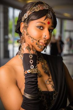 Steampunk meets sari. This cosplay is gorgeous! - 11 Steampunk Makeup Designs