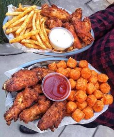 Chicken Wings Fries and Tater Tots - December 04 2018 at - and Inspiration - Yummy Fatty Meals - Comfort Foods Recipe Ideas - And Kitchen Motivation - Delicious Steaks - Food Addiction Pictures - Decadent Lifestyle Choices I Love Food, Good Food, Yummy Food, Yummy Snacks, Tumblr Food, Le Diner, Food Goals, Aesthetic Food, Food Cravings