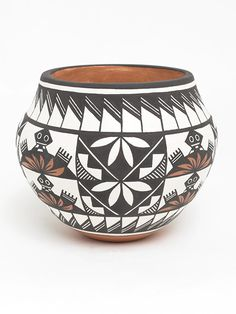 Turtle Pottery Bowl by Marilyn Ray (Acoma)