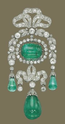 "This is a Belle Epoque brooch made by Cartier set with magnificent colombian emeralds. It would have been appropriate only as ""daytime"" jewellery and not to wear it to a formal occasion."
