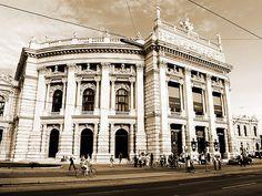 Hofburgtheater am Ring, Vienna, (C) 2005 Daniel Retzl