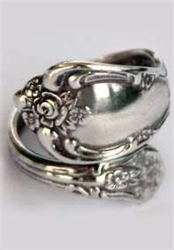 Spoon Ring! I am going to make one out of my great grandmas spoon! ❤ Cant wait!