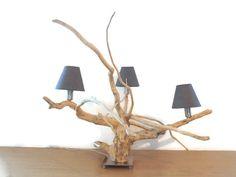 lampe en bois flotté - création unique - 3 ampoules/abat-jours coniques