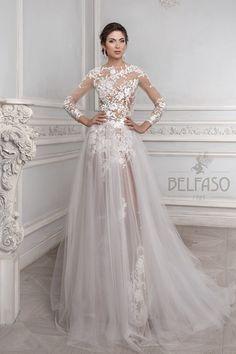 Дженифер Stunning Wedding Dresses, Blue Wedding Dresses, Lovely Dresses, Beautiful Gowns, Beautiful Bride, Low Cut Dresses, Belle Dress, Luxe Wedding, Couture Dresses