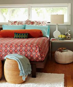 We believe a beautiful and reasonably decorated bedroom is more complex. Only the bed and a storage cabinet for the bedroom are not enough. You need to pay much attention to the details.