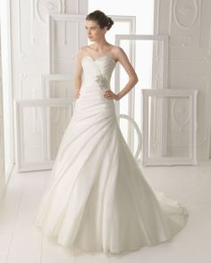 f4b642d33 Aire Barcelona 2014 Bridal Collection (VIII)