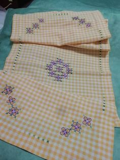 Chicken Scratch Embroidery, Buffalo Check, Tejidos, Chess, Sew, Bags, Crocheting, Blue Flowers, Colt 45