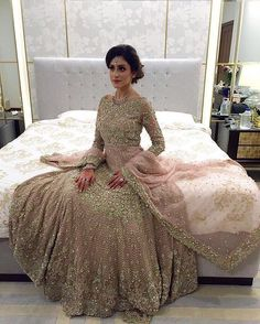 30 Stunning Pakistani Bridal Walima Dresses for Your Inspiration - Folder Pakistani Couture, Pakistani Wedding Dresses, Pakistani Outfits, Indian Dresses, Indian Outfits, Asian Wedding Dress, Asian Bridal, Saris, Bollywood