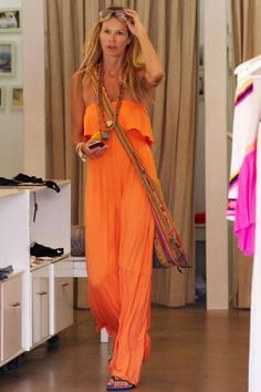 Who made Elle Macpherson's orange strapless maxi dress? Cute Fashion, Boho Fashion, Fashion Outfits, Womens Fashion, Fashion 2014, Elle Macpherson, Bohemian Mode, Bohemian Summer, Hippie Chic