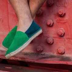 kam 39. Serraje. Suede split. #Kameleonik #Kamespadrilles #Espadrilles #Alpargatas #Shoes #Footwear #Zapatos #Zapatillas #Bilbao #Fashion #Moda #MadeinSpain #HandmadeinSpain #Spain #BasqueCountry #Cool #Chic #Design #Ametsak #Gay #Trational #Tradicional #Artisan #SlowFashion #EthicalFashion #Suede #VeryBilbao #Kamaleonik