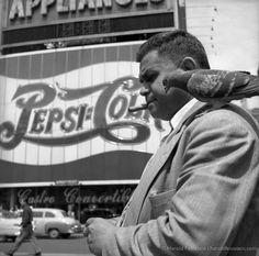 Harold Feinstein, Sharing a Cigar, 1954