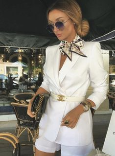 The 8 Style Mistakes Parisian Women Never Make The 8 Style Mistakes Parisian Women Never Make,fashion The 8 Style Mistakes Parisian Women Never Make Related posts:Alle schwarzen, weißen Turnschuhe Outfit inspirationen -. Look Fashion, Fashion Clothes, Fashion Outfits, Womens Fashion, Fashion Trends, Luxury Fashion, Classy Fashion, Italian Style Fashion, Luxury Lifestyle Fashion
